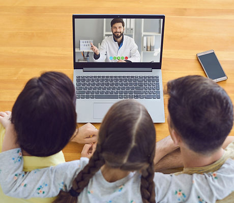 Family doctor online.Parents and a child