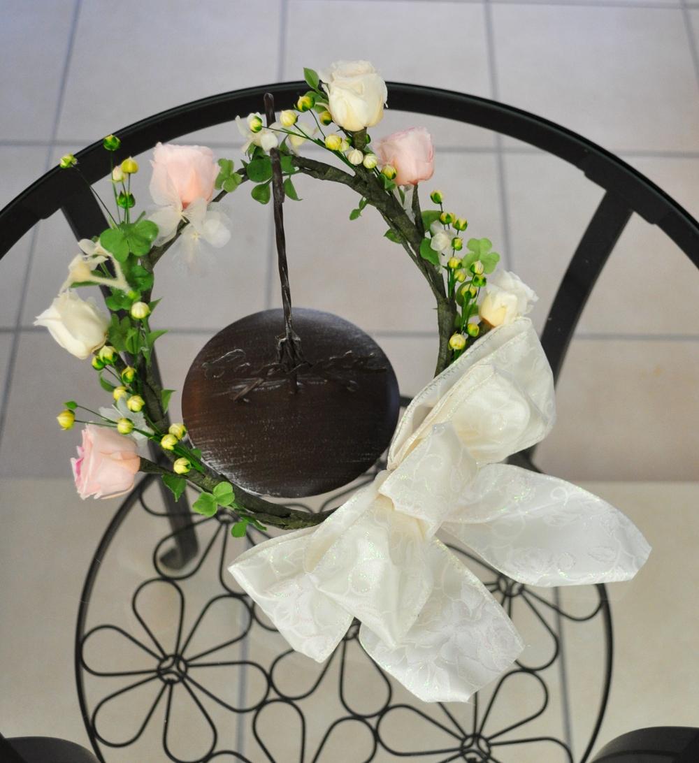 アンティークホワイトとピンクのバラで作ったナチュラル花冠
