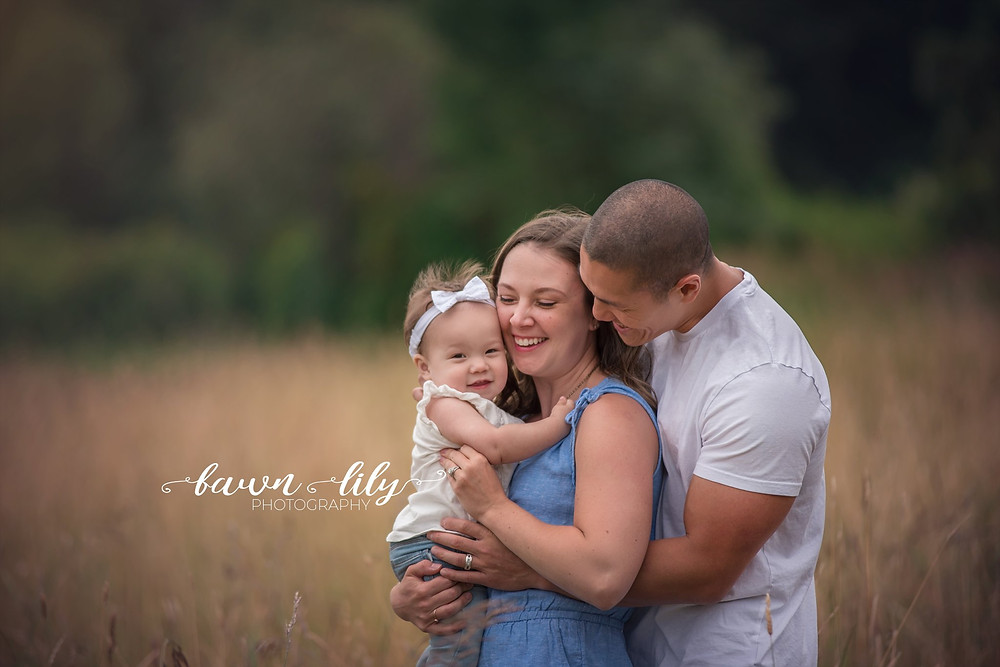 Family photographer BC, Sidney BC photography,family hugs, family pictures
