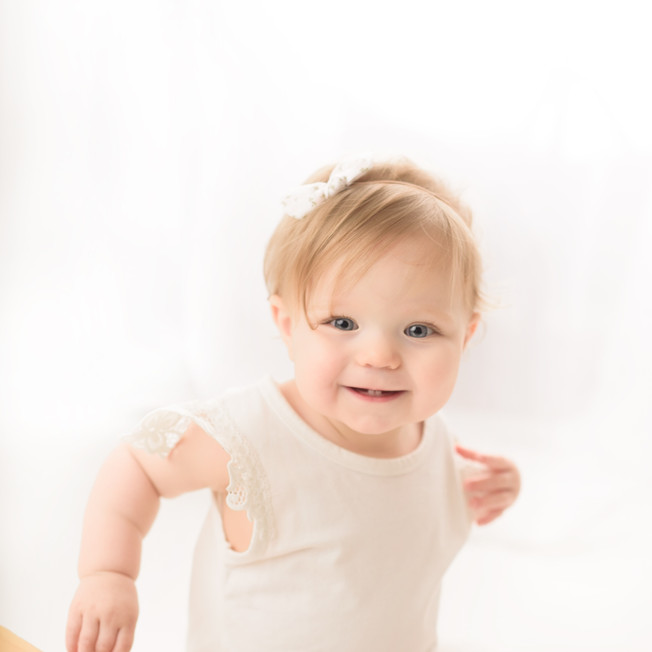 simply one cake smash victoria bc baby photographer