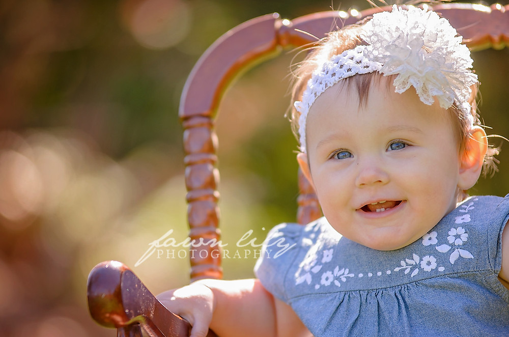 12 month Milestone Session by Sidney BC Photographer Fawn Lily Photography
