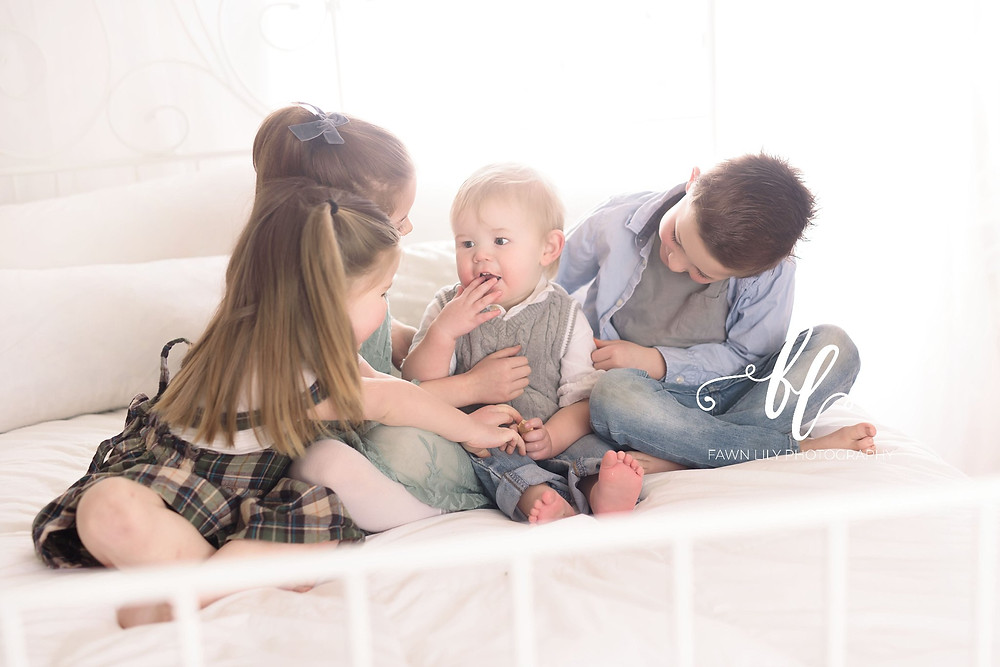 four siblings, baby tickles, victoria bc family photographer, sidney bc studio photographer