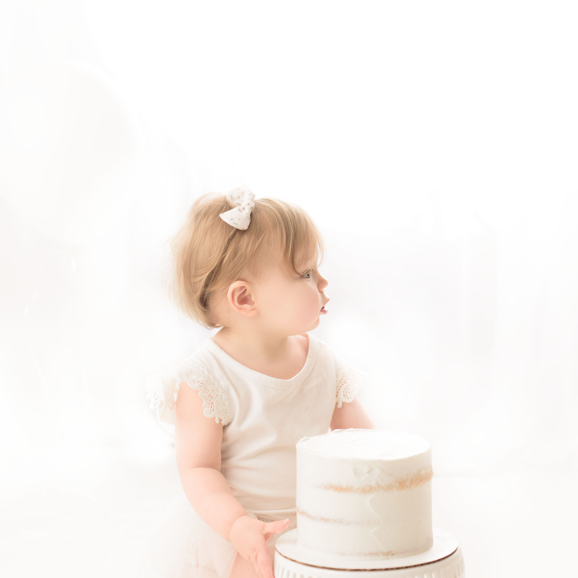 Baby's first birthday photos, Simply One, Cake Smash, Victoria Bc