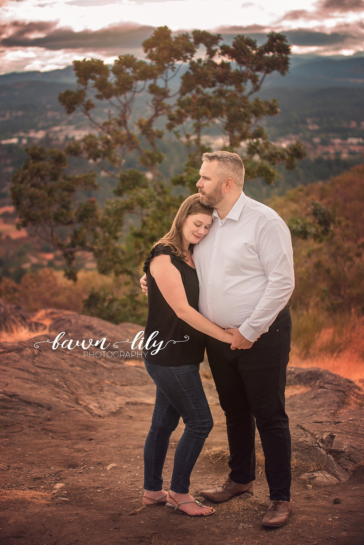 Garry Oak Trees, Couple, Mt Doug, Couple Photos, Victoria BC Photographer
