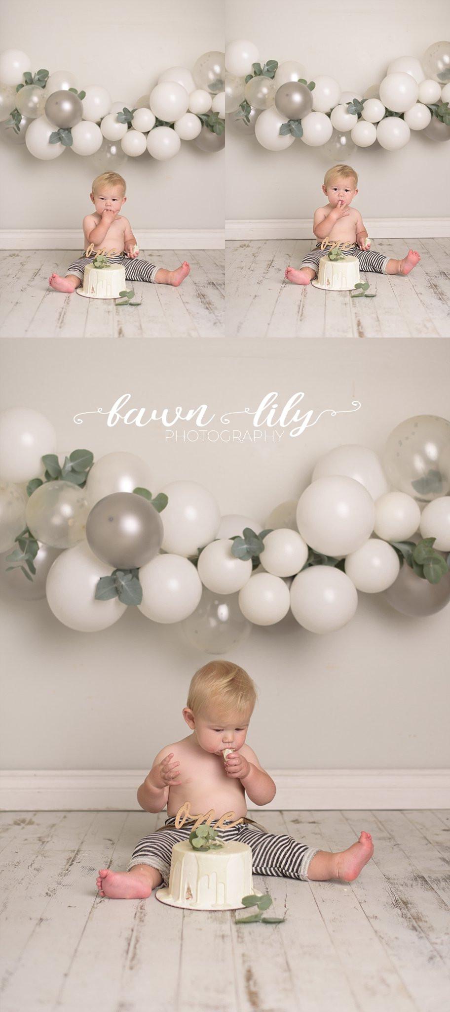 Victoria BC Cake Smash, Baby Photographer, Victoria BC, Fawn Lily Photographer, Balloon Garland