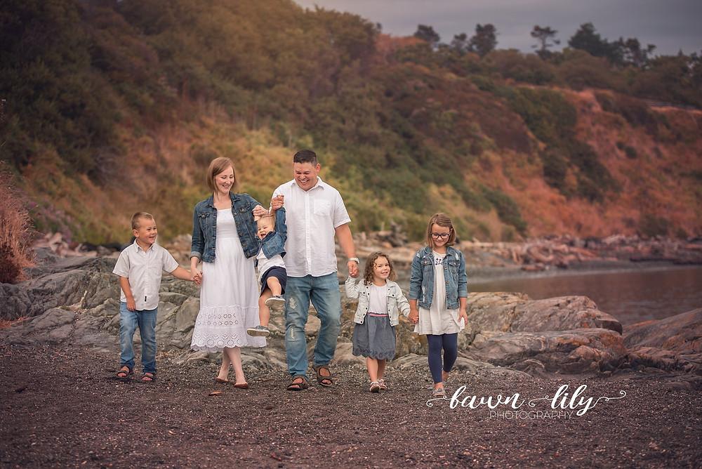 Family Photos on the beach, Victoria BC Family Photographer, Dallas Rd