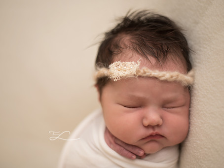 When to Book your Newborn Photo Shoot | Sidney & Victoria BC Newborn Photographer