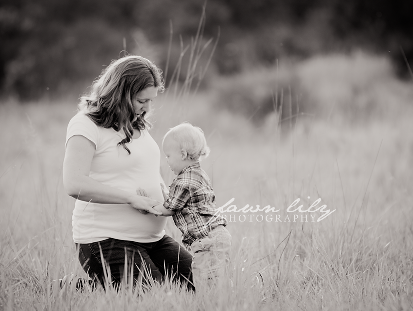 Fawn Lily Photography Maternity