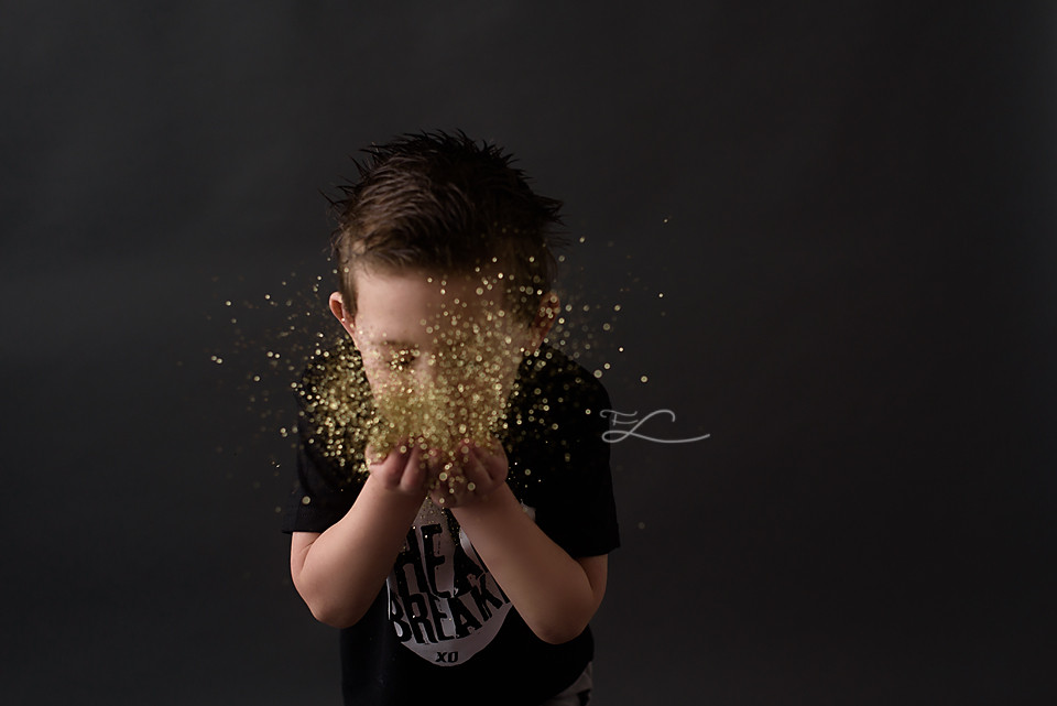 Fawn Lily Photography, Sidney BC Photographer, Victoria BC Glitter Minis, Glitter for boys, Glitter Mini Sessions, Mini Sessions, YYJ