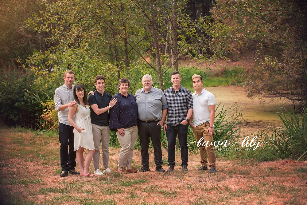 Large Family Photo in Victoria BC, Heritage Acres, Fawn Lily Photography, Sidney BC Family Photographer