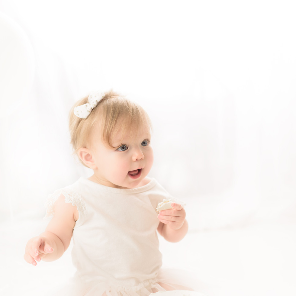 Simply One Cake Smash Fawn Lily Photography