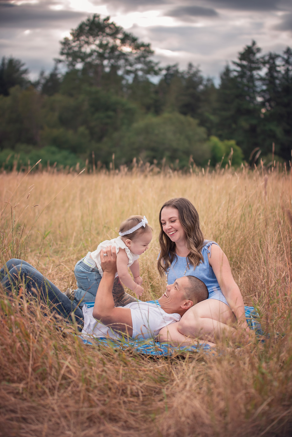 Victoria BC family photographer, making family photos fun, Getting your spouse on board with family photos