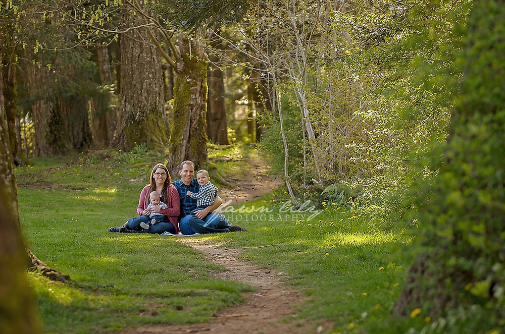 Fawn Lily Photography Sidney Photographer, Sidney Family Photographer, Victoria Family Photographer, Family Photo Session, Puntledge Park