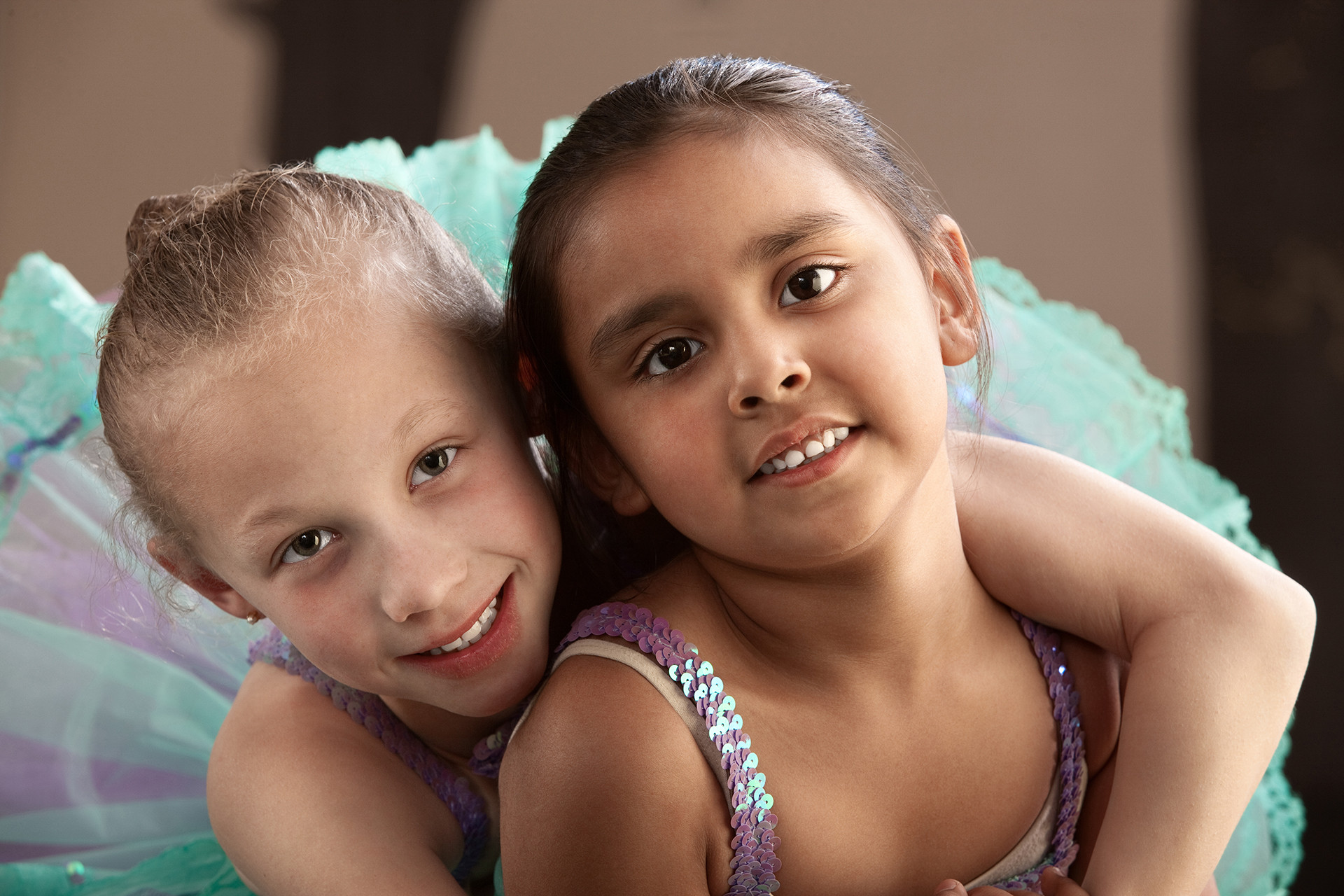 Dos jóvenes bailarines de ballet