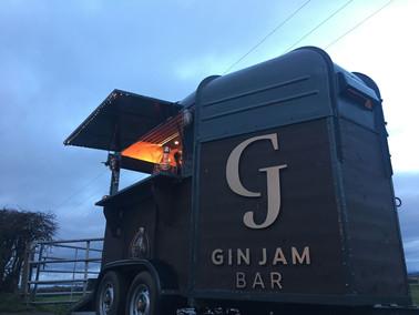 horsebox mobile gin bar