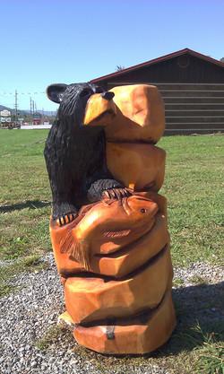 Alonzo Montoya Chainsaw Carved Bear 19.jpg