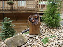 Alonzo Montoya Chainsaw Carved Bear 10.JPG