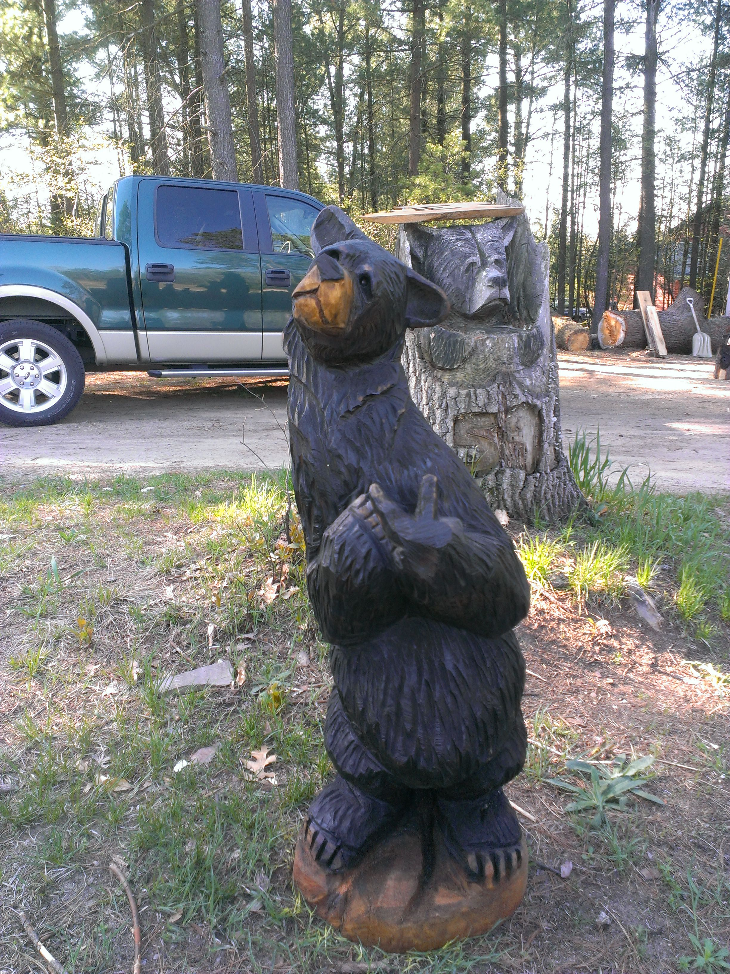 Alonzo Montoya Chainsaw Carved Bear 15.jpg
