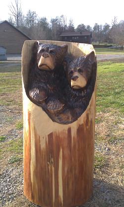 Alonzo Montoya Chainsaw Carved Bear 7.jpg