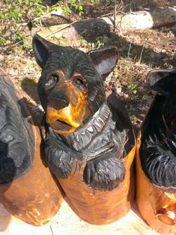 Alonzo Montoya Chainsaw Carved Bear 14.jpg