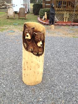 Alonzo Montoya Chainsaw Carved Bear 16.jpg