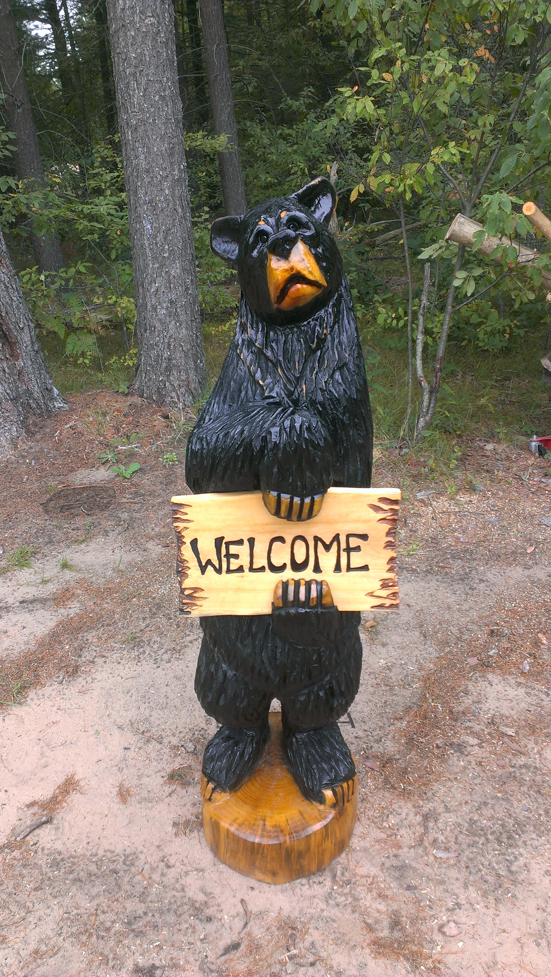 Alonzo Montoya Chainsaw Carved Bear 3.jpg