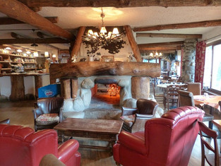 dining-room-182923_640.jpg