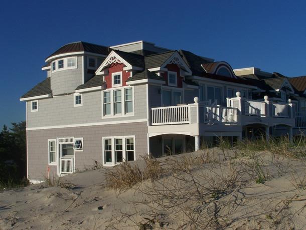 house-on-the-shore-1211887.jpg