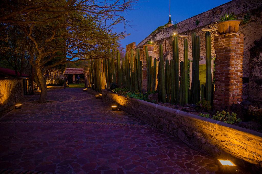 Hacienda La Solariega / Patios