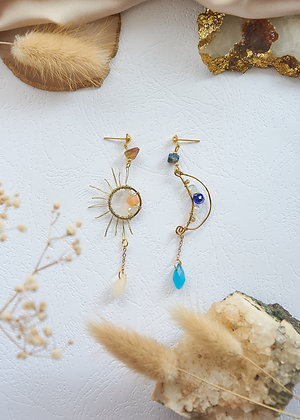 Wired Sun & Moon Missmatched Earrings