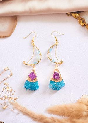 Druzy Stone & Wired Moon Earrings