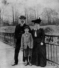 MomsGP 1890.jpg