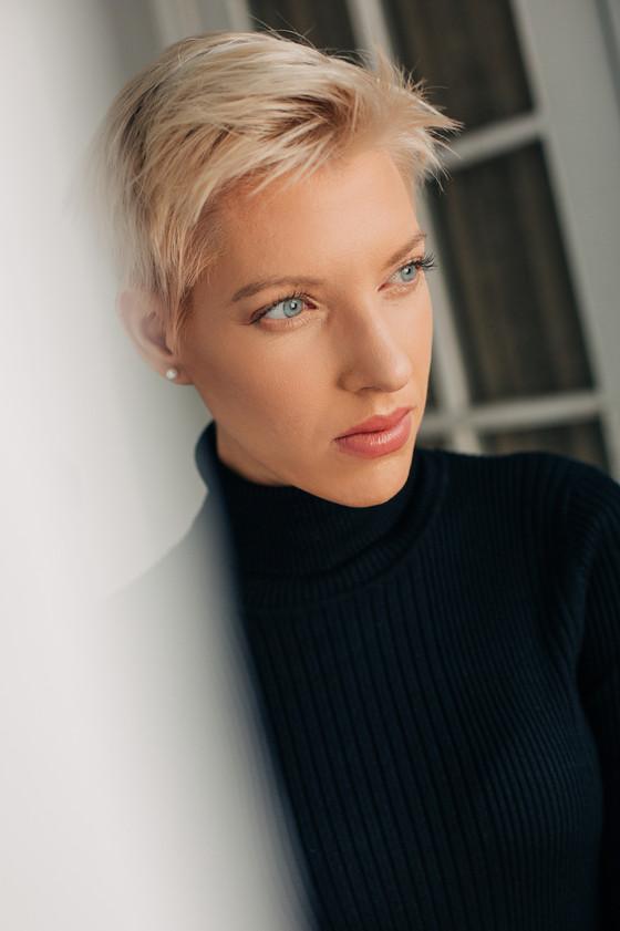 in house model AJ
