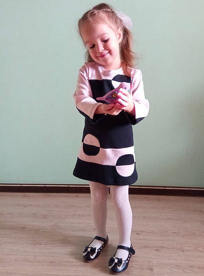Платье с кружочками