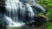 Banho de Cachoeira, uma terapia natural.