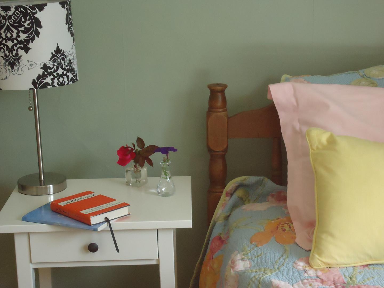 bedside floral.JPG