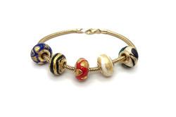 Bracciale fantasia con perle artigianali