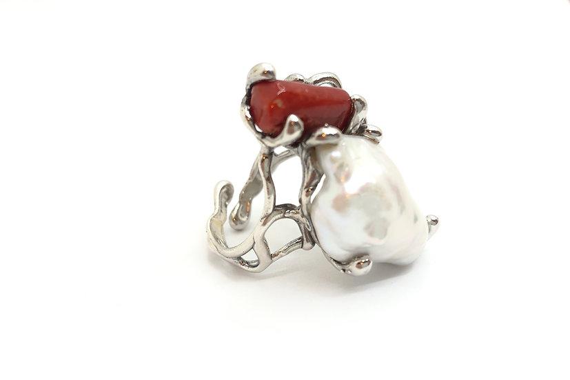 Anello con perla naturale e corallo del Mediterraneo, argento 925 , fatto a mano.