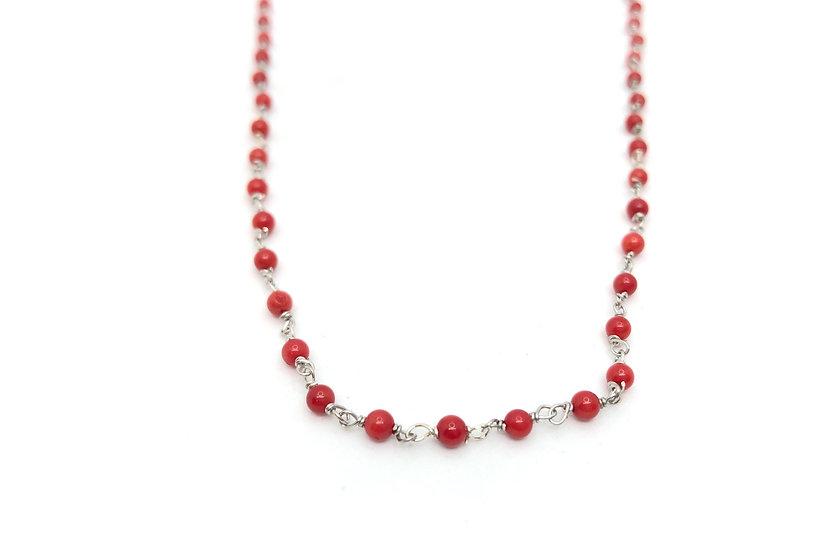 Collana in stile rosario con corallo.