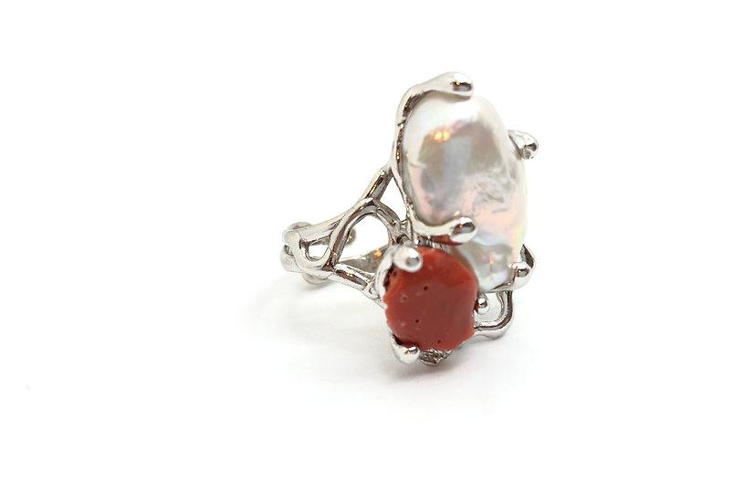 Anello con perla naturale e corallo del Mediterraneo, argento 925, fatto a mano.