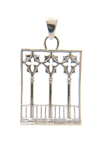 Pendente  finestra trifora in stile gotico fiorito veneziano