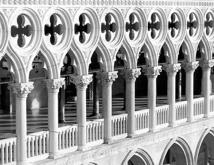 Palazzo%201_edited.jpg