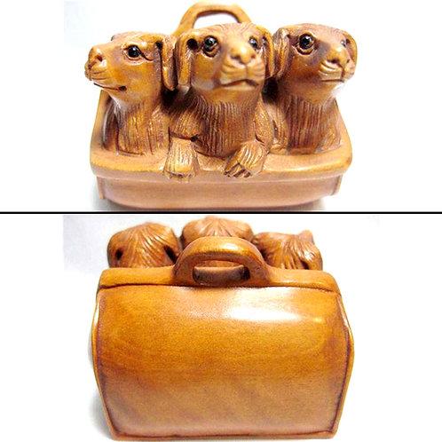 3 Dogs Netsuke