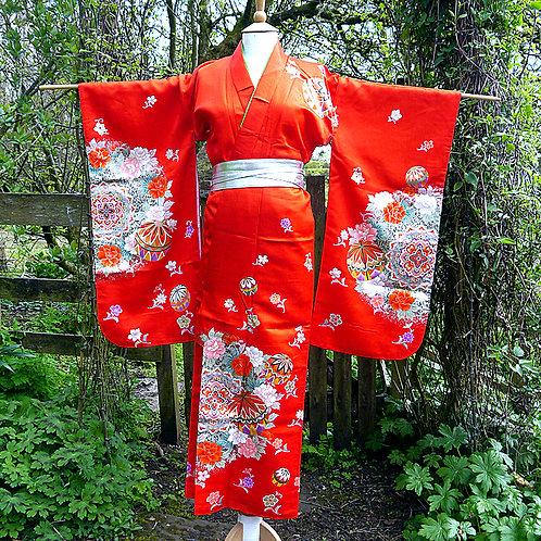 Temari Red Kimono