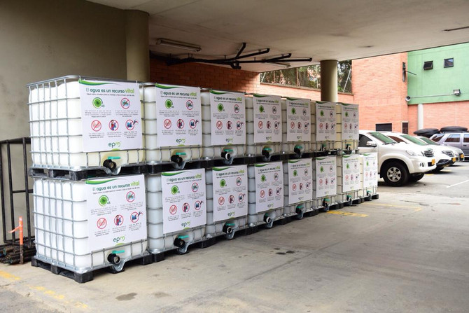Alcaldía de Medellín y EPM entregaron 15.000 L de agua potable para los damnificados de San Andrés