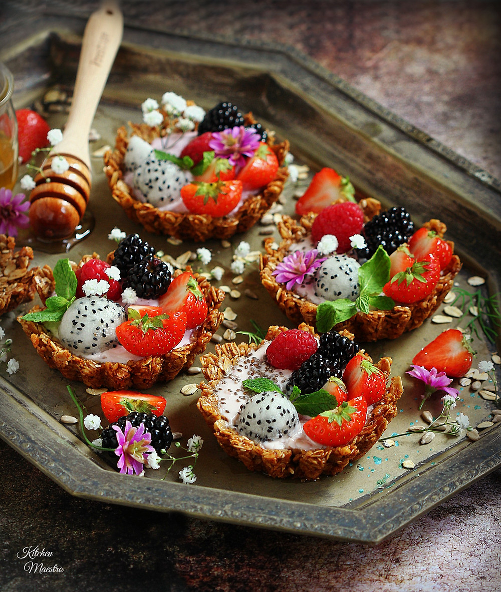 granola fruit tarts