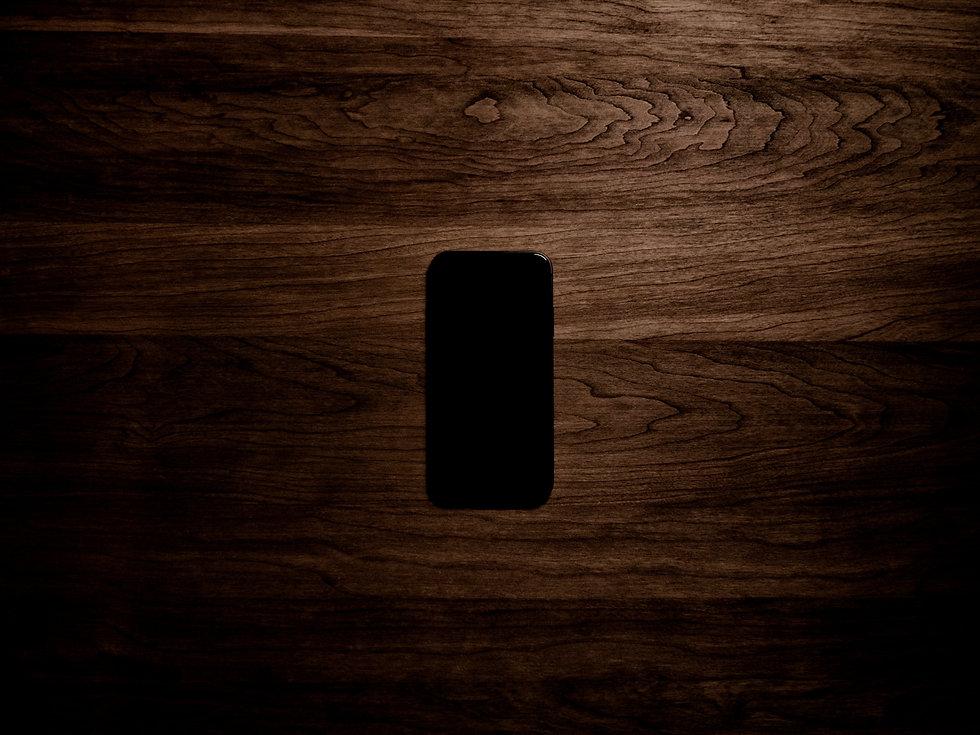 Inkedturned-on-black-iphone-7-displaying