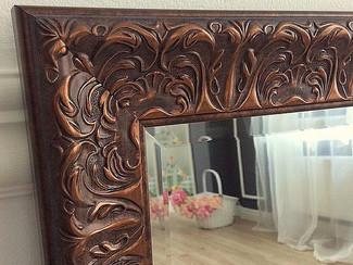 Зеркало обрамленное в пластиковый или деревянный багет