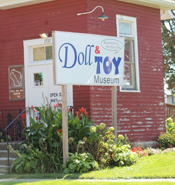 Doll-Toy Museum