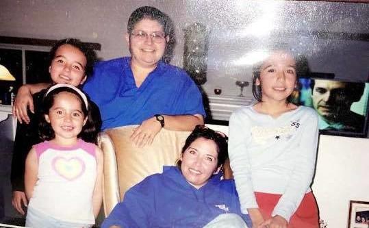 My grandparent's house, 2005. Justine half-sister, Mom, Tia (Aunt) Sandra, Me, Marianna little sister.